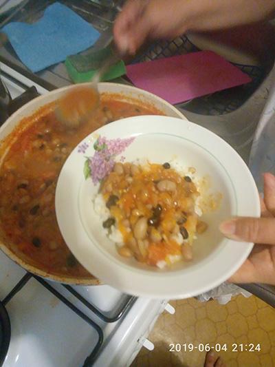 Тушеная фасоль с томатами